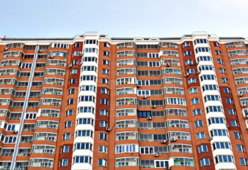 Luxury high-rise apartment complex